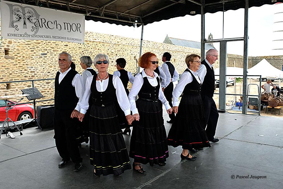 "Groupe ""animations danses bretonnes"""